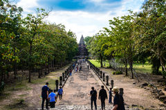 De weg van oude tempel in Thailand Stock Fotografie