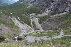 De Weg van sleeplijnen (Noorse Trollstigen) Stock Afbeeldingen
