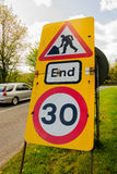 De weg werkt Tijdelijke Snelheidsbeperking Stock Foto