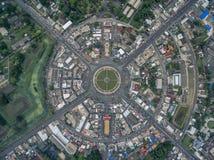 De wegcirkel bij 6 stegen komt samen in Thailand royalty-vrije stock afbeelding