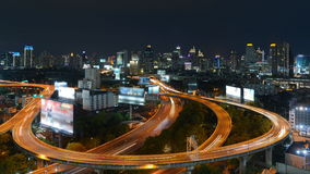 De wegen van de stad bij nacht Royalty-vrije Stock Foto's