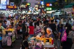 De Wegtoeristen van Bangkok Khao San Stock Foto's