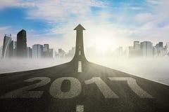 De wegweg aan nieuwe toekomst 2017 Stock Fotografie
