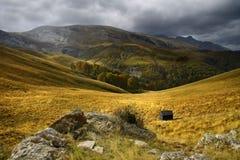De weiden van het gras in de Pyreneeën Royalty-vrije Stock Afbeeldingen