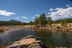 De Weiden van Tuolumne in Nationaal Park Yosemite royalty-vrije stock fotografie