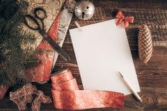De wenslijst van Kerstmis voor Kerstman royalty-vrije stock afbeeldingen