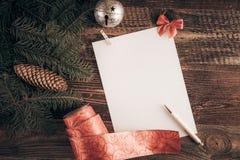 De wenslijst van Kerstmis voor Kerstman stock afbeelding