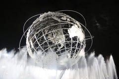 1964 de Wereld s Eerlijke Unisphere van New York bij nacht Stock Foto's