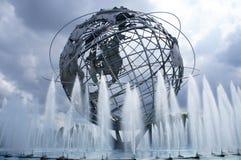 1964 de Wereld s Eerlijke Unisphere van New York in het Spoelen van Weidenpark, Queens, NY Stock Foto