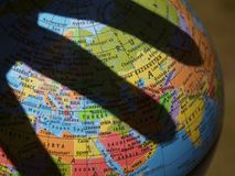 De wereld is in Uw Handen Royalty-vrije Stock Afbeeldingen