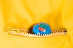 De wereld in uw zak stock afbeeldingen