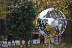 De wereldgebied van Nice door zilveren legering wordt gemaakt die stock fotografie