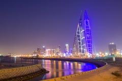De wereldhandelscentrum van Bahrein bij nacht Stock Foto