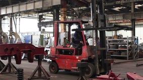 De werken in het Industriële Gebouw stock video