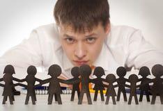 De werkgever bekijkt mensen Stock Foto's