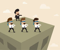 De werkgever leidt werknemers tot de verkeerde manier Stock Afbeeldingen