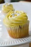 De werveling van de citroen cupcake royalty-vrije stock fotografie