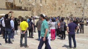 De Westelijke muur of de Loeiende muur zijn de heiligste plaats aan Judaïsme in de oude stad van Jeruzalem, Israël Royalty-vrije Stock Afbeeldingen