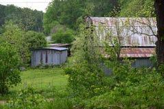 De westelijke NC-schuur van berg landelijke fam stock afbeeldingen
