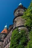 De westelijke voorzijde van het kasteel - beide torens stock foto's