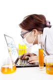 De wetenschapper let op reactie van molecule Royalty-vrije Stock Afbeelding