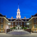 De Wetgevende Zaal van Delaware bij nacht royalty-vrije stock foto