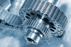 De wielen en de kettingen van het toestel in titanium Royalty-vrije Stock Fotografie