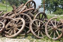 De wielen van de kar Stock Foto's
