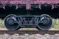 De wielen van de treinwagen, Russische trein Stock Afbeeldingen