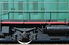 De wielen van een moderne Russische elektrische trein met schokbrekers en remmechanismen De kant van ca Royalty-vrije Stock Afbeelding