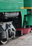 De wielen van een moderne Russische elektrische trein met schokbrekers en remmechanismen De kant van ca Stock Fotografie