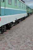 De wielen van een moderne Russische elektrische trein met schokbrekers en remmechanismen De kant van ca Royalty-vrije Stock Foto's