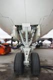 De wielen van vliegtuigen royalty-vrije stock fotografie