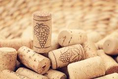 De wijn kurkt achtergronden stock afbeeldingen