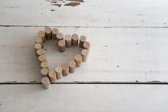 De wijn kurkt het vormen van hartvorm Stock Fotografie