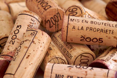 De Wijn van de stapel kurkt Royalty-vrije Stock Afbeeldingen