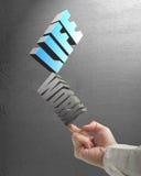 De wijsvinger van het mensengebruik aan van het het balacneleven en werk 3D woorden in concre Royalty-vrije Stock Foto