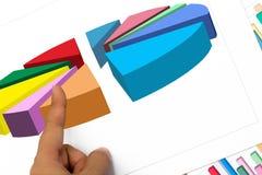 De wijsvinger voor verklaart bladgrafiek en grafiek voor het rapportwerk Royalty-vrije Stock Fotografie
