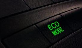 De wijze van knoopeco in auto, sparen energie Stock Afbeeldingen