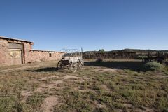 De Wilde Westennen, de verlaten landbouwbedrijven en de huizen stock foto
