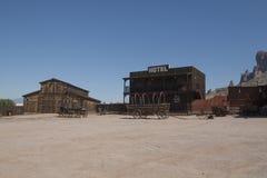 De Wilde Westennen, de verlaten landbouwbedrijven en de huizen stock afbeelding