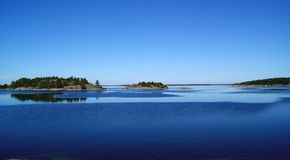 De wind begint op de archipel te blazen Stock Afbeeldingen