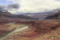 De windende Rivier van Colorado door Grote Canion Royalty-vrije Stock Foto's