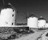 De Windmolens van Mykonos stock afbeelding