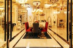 De winkel van de luxeverlichting stock fotografie