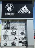De Winkel van de nettenlevensstijl door Adidas in Coney Island in Brooklyn Royalty-vrije Stock Foto's