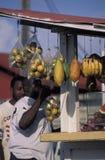 De winkel van het straatfruit, Tobago royalty-vrije stock afbeelding
