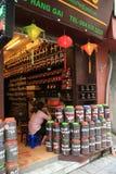 De winkel van koffiebonen in Vietnam Stock Foto's