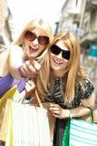 De winkelende vrouw van het geluk Stock Foto