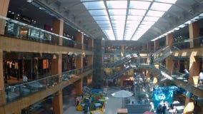 In de winkels van Andorra stock videobeelden